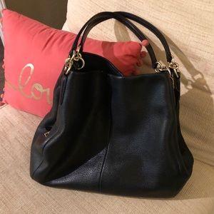 Coach black leather shoulder bag EUC